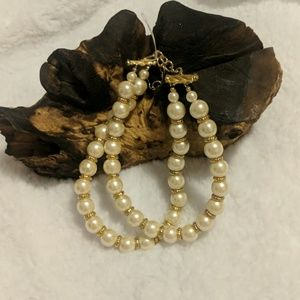Carolee faux pearl necklace/ choker